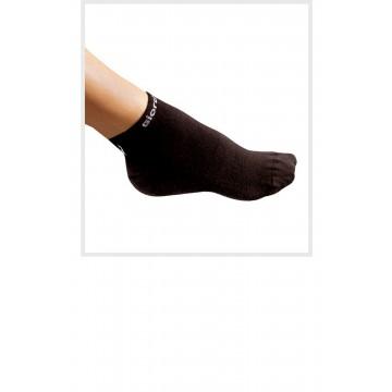 https://biciprecio.com/274-thickbox/calcetines-giordana-negros.jpg